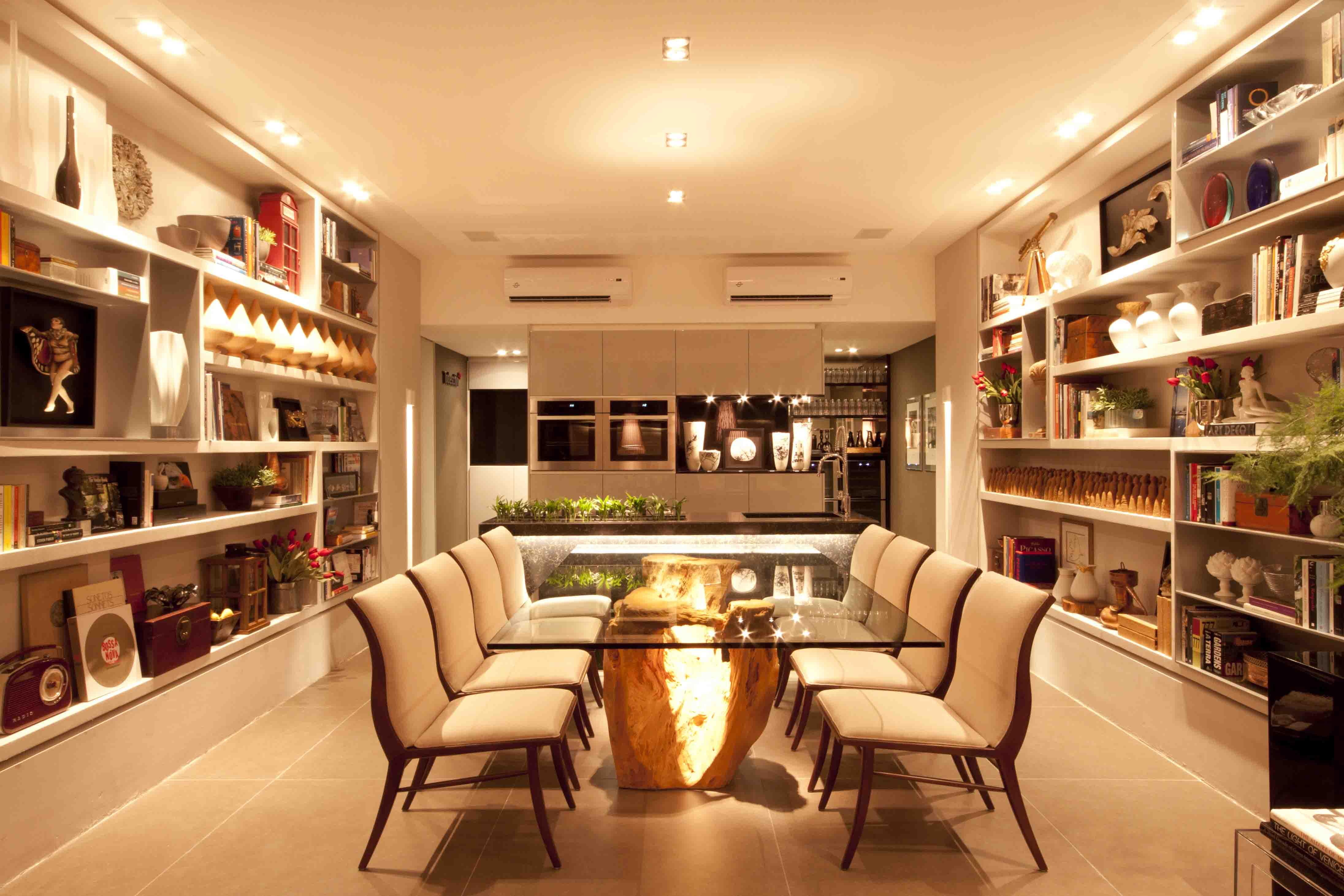 do lounge visualizamos a bancada em silestone com cuba esculpida #BD8A0E 4384x2923 Banheiro Com Bancada De Silestone