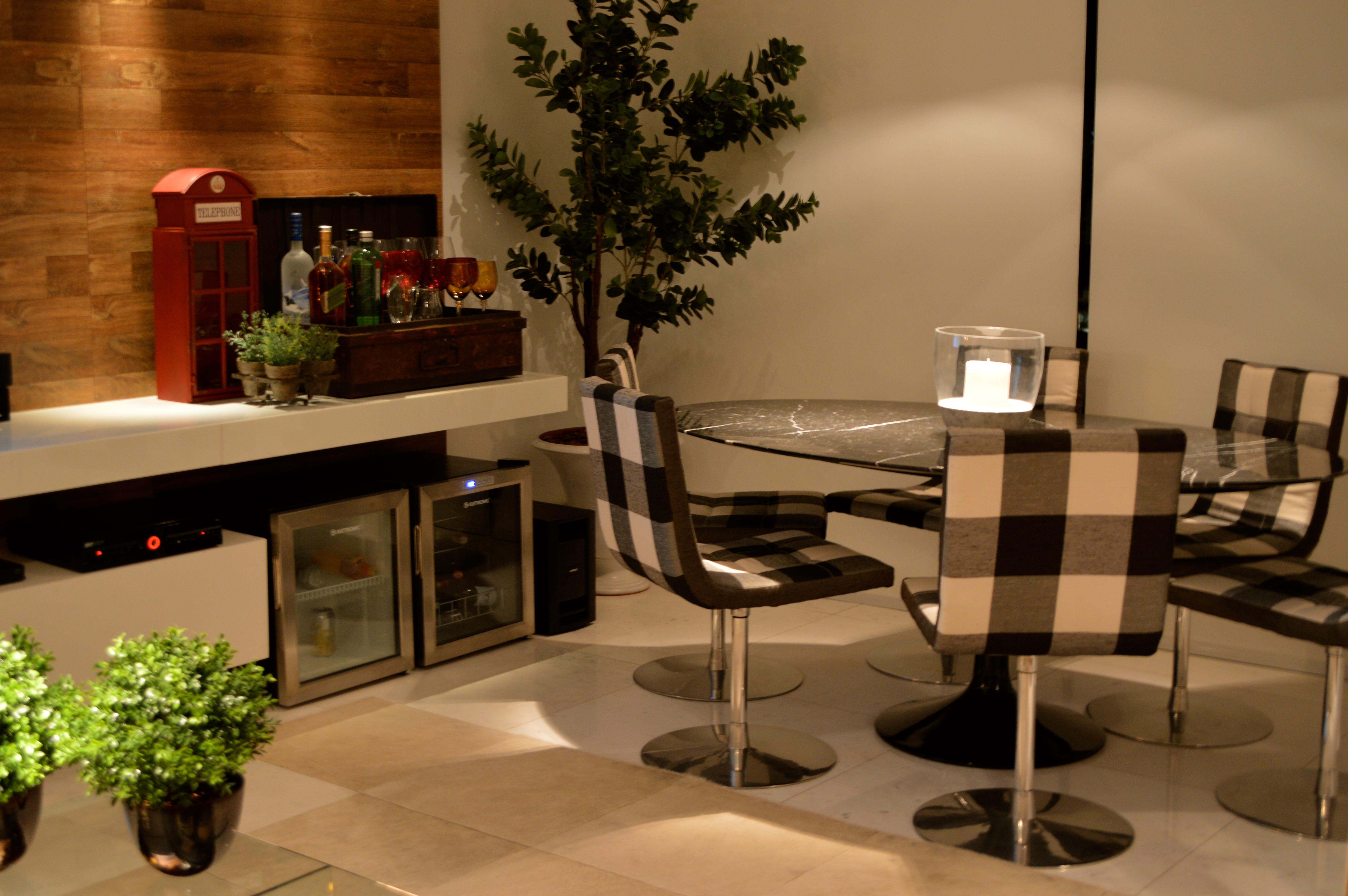 Bar Sala Pequena Na Sala Deste Ap Onde Vivia A Blogueira Gabriela  -> Adega Para Sala De Jantar Pequena